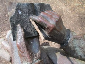 Photograph of the hands of Robert Burns from a statue